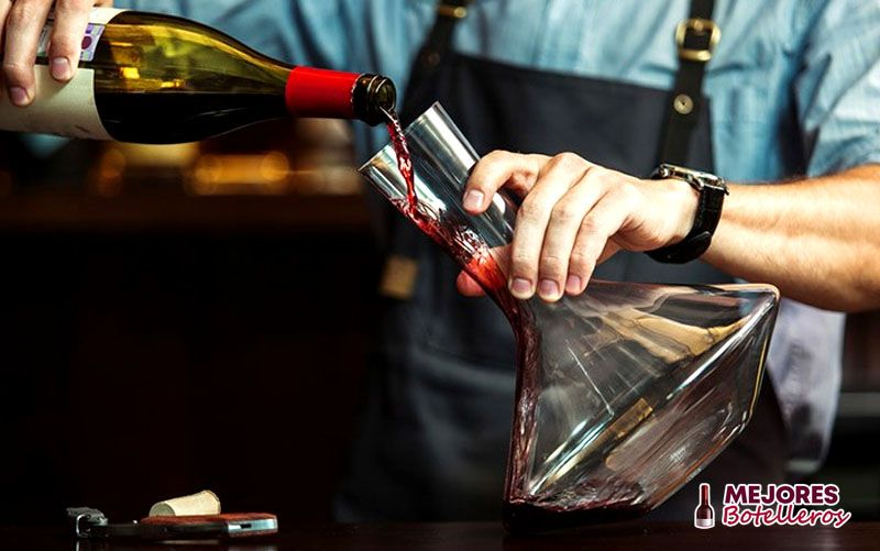 como decantar un vino